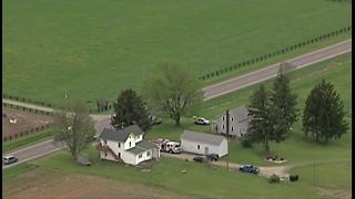 Small plane crashes in a field in Wayne County - Video