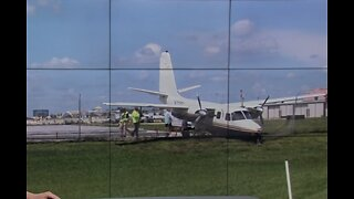 Small plane skids off runway at Boca Raton Airport, no one hurt