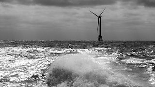 How Wind Turbines Could Guard The Coast Against Strong Hurricanes - Video
