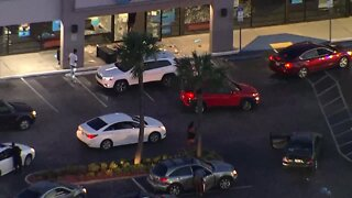 Looters break into AT&T store in Tampa