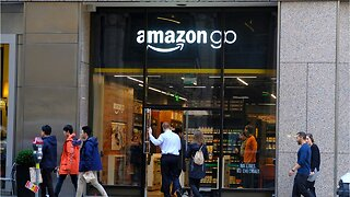 Amazon opens go store in NYC that accepts cash