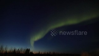 Time-lapse footage shows Northern Lights sunset in Canada - Video