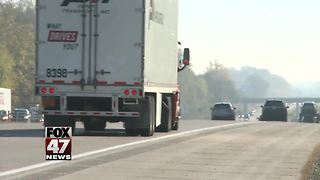 Bill requires driver to use blinkers when changing lanes - Video
