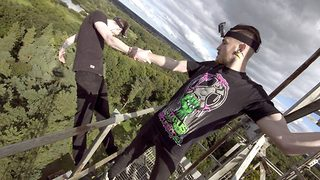 Urban Explorer Performs Epic Trust Fall Stunt From Mast - Video