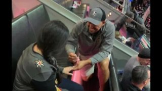 Couple gets engaged at Vegas Golden Knights home game