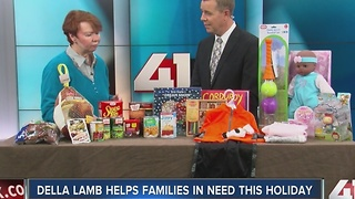 Della Lamb helps families in need this holiday - Video