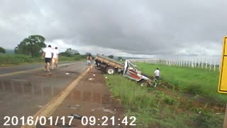 Truck passenger ejected from vehicle in accident - Video