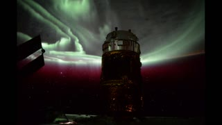 Stunning time lapse of Aurora Borealis from space station - Video