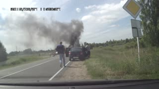 Car Accident Ends with an Explosion - Video