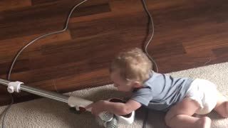 Baby loves to clean  - Video