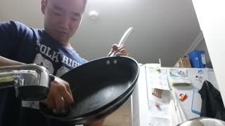 Clever Way To Clean A Really Greasy Pan - Video