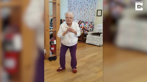 101-Year-Old Grandma Delivers Amazing Dance To Elvis Song
