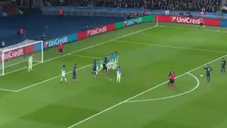 Fantastic free-kick goal by Di Maria vs Barcelona - Video