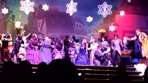 Willie The Entertainer - Scrooge The Musical