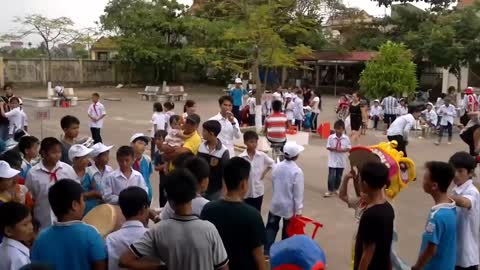 Vietnamese traditional game - making traditional Mid-Autumn Festival lanternspreserving