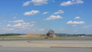 Plane Crash @ PDK Peachtree Good Neighbor Day Air Show 2016 - Video