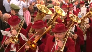 Oktoberfest kicks off in Munich - Video