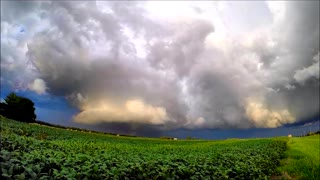 Time lapse: Stunning Supercell in Wellsville, Kansas - Video