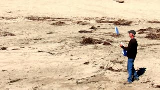 Awesome Santa Cruz Frisbee Dude - Video