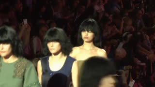 Marc Jacobs marches into Spring - Video