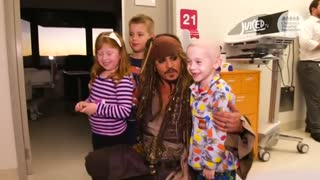Johnny Depp surprises sick children in Australian hospital - Video