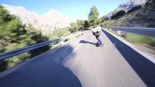 Mind-Blowing Downhill Skateboarding over 100kph!!!