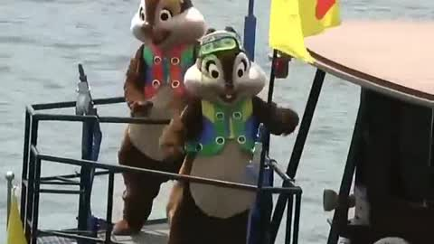Sailing Chipmunks Boat Show In Nile