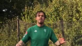 Green jersey trampoline fail - Video
