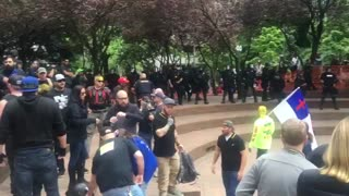Patriot Prayer rally turns violent in Portland - Video