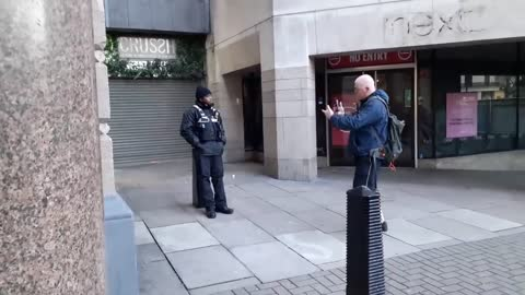 Charing cross security guard tries to assault. under cover cops stop attempted assault.
