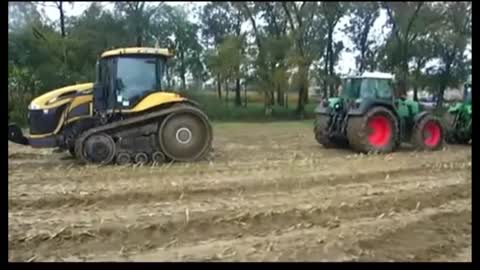 CAT JCB vs John Deere - CAT vs JD and FENDT - Duel Tractors