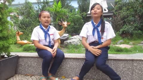 Vietnamese folk games, bringing you back to your childhood: Singing and singing with your hands