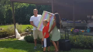 Hilarious Gender Reveal Fail - Video