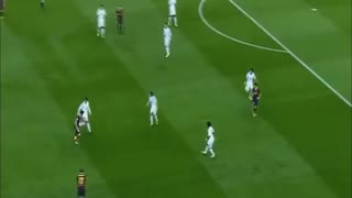 Lionel Messi humilites Cristiano Ronaldo - Video