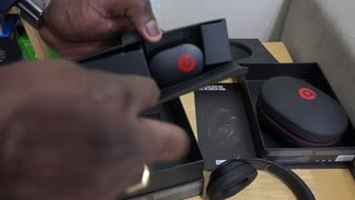 Beats Music Studio Headphones unboxing Limited Edition - Video