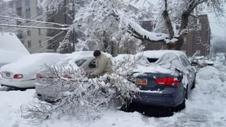 Salt Lake City pounded by damaging winter storm - Video
