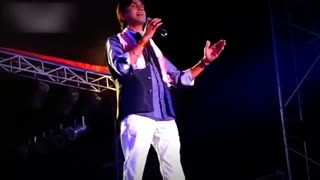 Must Watch Doctor Kumar Vishwas Latest Poetry - Video