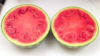 How to peel and cut a watermelon - Video