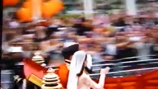Royal Wedding – Loose Horse! - Video