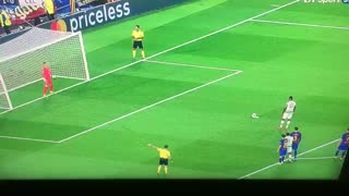 Ter Stegen saves penalty vs Celtic - Video