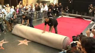 Oscars roll out red carpet, Minaj's tour member killed - Video