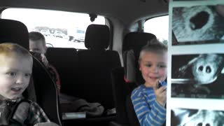 Kids reactions to mother being pregnant with twins - Video