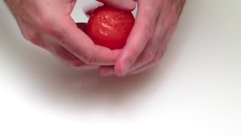 How to peel a tomato in one minute