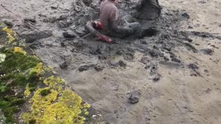 Drunk Couple River Rescue - Video