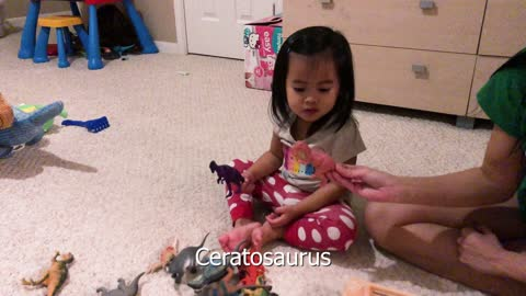 Brilliant 2-year-old names 22 dinosaurs in 2 minutes!