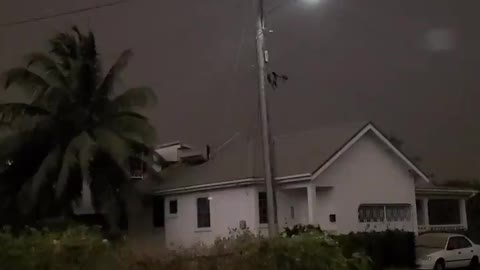 North coast of Barbados falls noon darkness: volcanic eruption on the island of St. Vincent.