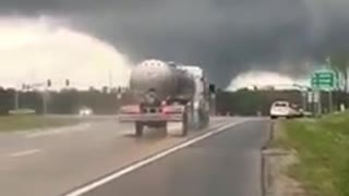 Possible Large Tornado Hattiesburg, Mississippi This Evening!