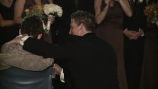 Groom Shares Emotional Dance With Mother Battling ALS - Video