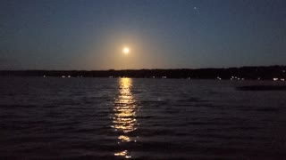 Great Moon Rise