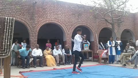 On The Occasion Of Women Day, A Superb Dance Performance Of A School Boy